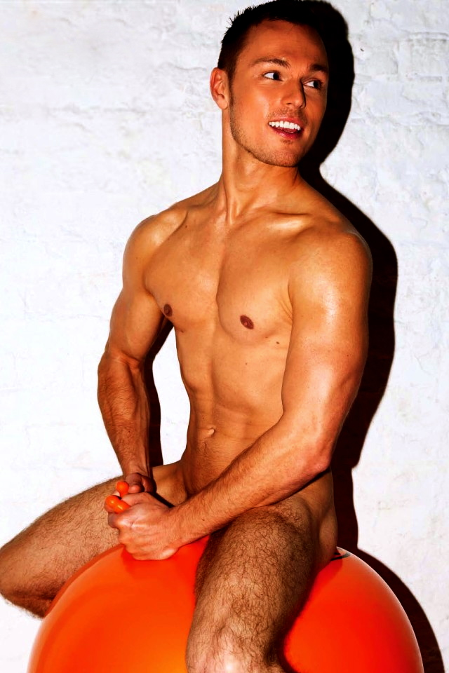 BEAU comme Andrew Hayden Smith 2