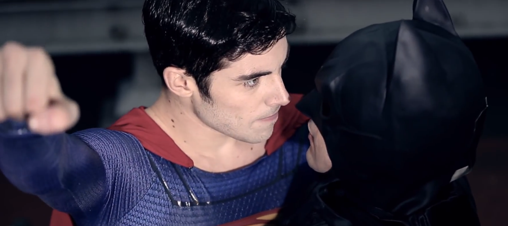 VIDEO Batman contre Superman version Gay 1