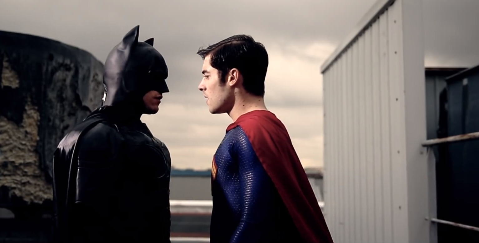 VIDEO Batman contre Superman version Gay 2